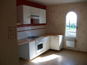 location appartement CUERS 3 pieces, 70m2