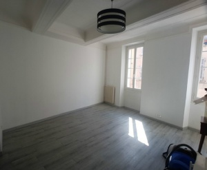 location appartement CUERS 3 pieces, 64m2